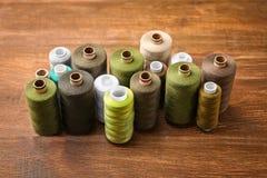 Ensemble de fils de couture de couleur Photos libres de droits