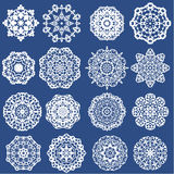 Ensemble de flocons de neige de papier décoratifs Images libres de droits