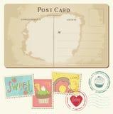 Ensemble de gâteaux sur la vieille carte postale, avec des estampilles Images libres de droits