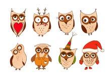 Ensemble de hiboux mignons Dirigez les hiboux de bande dessinée et les oiseaux de jeunes hiboux d'isolement sur le fond blanc illustration libre de droits