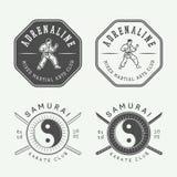 Ensemble de karaté de vintage ou de logo d'arts martiaux, emblème, insigne, label Images libres de droits