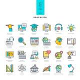 Ensemble de la ligne icônes modernes de couleur pour l'éducation Photos stock