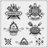 Ensemble de labels de BBQ et de gril Embl?mes de barbecue, insignes et ?l?ments de conception illustration de vecteur
