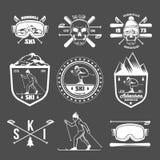 Ensemble de labels de ski de vintage et d'éléments de conception illustration stock