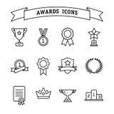 Ensemble de ligne icônes de trophée et de récompenses Photos stock