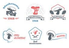 Ensemble de logo de champignons Concevez les éléments, les icônes, les emblèmes et les insignes d'isolement sur le fond blanc Ill Photo libre de droits