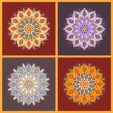 Ensemble de mandala oriental de fleur de couleur de neuf bleus sur le backgroun foncé Photo stock