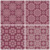 Ensemble de milieux sans couture violets avec les modèles floraux Photo stock