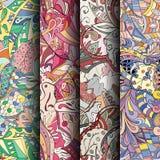 Ensemble de modèles sans couture colorés de filigrane Milieux gribouillants incurvés pour le textile ou impression avec le mehndi Image libre de droits