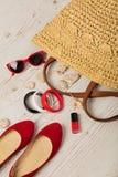 Ensemble de mode d'été Sac du ` s de femmes, ballerines de chaussures et sunglass Photographie stock