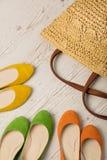 Ensemble de mode d'été Sac du ` s de femmes et ballerines de chaussures Photographie stock