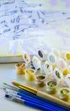Ensemble de peintures acryliques colorées photo libre de droits