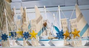 Ensemble de petits bateaux modèles colorés Image libre de droits