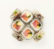 Ensemble de petits pains de poissons d'isolement sur le blanc, plan rapproché Image stock