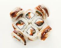 Ensemble de petits pains de poissons d'isolement sur le blanc, plan rapproché Images libres de droits