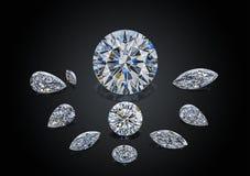 Ensemble de pierres gemmes de scintillement transparentes sans couleur de luxe du divers collage de diamants de forme de coupe d' photo libre de droits