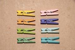 Ensemble de pinces à linge de couleur Image libre de droits