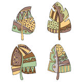 Ensemble de plume puérile de brun stylisé décoratif tiré par la main de vintage de vecteur Style de griffonnage, illustration gra Photo stock