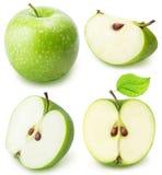 Ensemble de pomme de coupe de vert d'isolement sur un fond blanc Photos stock
