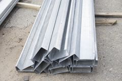 Ensemble de profils de bâtiment, profils en acier pour la réparation, travaux de construction photographie stock