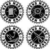 Ensemble de quatre labels fabriqués à la main de style solide noir de tampon en caoutchouc Photographie stock libre de droits