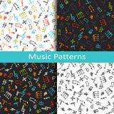 Ensemble de quatre modèles de musique avec différents symboles musicaux Image libre de droits