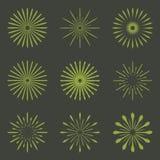 Ensemble de rétros formes d'éclat de Sun de brosse Logo de vintage, labels, insigne Images stock