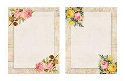 Ensemble de rose florale de style chic minable imprimable du vintage deux stationnaire sur le fond en bois illustration libre de droits