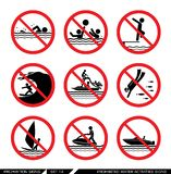 Ensemble de signes d'interdiction pour des activités de l'eau Photos stock