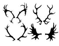 Ensemble de silhouettes des klaxons de cerfs communs et d'élans illustration de vecteur