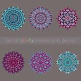 Ensemble de six mandalas colorés Photo stock