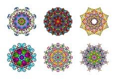 Ensemble de six mandalas tirés par la main colorés, élément décoratif oriental, style de vintage Approprié au textile, tissu, emb Images stock
