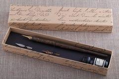 Ensemble de stylo-plume et d'encre Photo libre de droits
