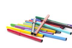 Ensemble de stylos feutres sur le fond blanc Photos libres de droits