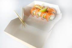 Ensemble de sushi, Japonais, salade, gingembre, wasabi, dans une boîte Photo libre de droits