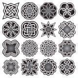 Ensemble de symboles sacrés abstraits de la géométrie dans le style celtique de noeuds Images libres de droits