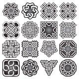 Ensemble de symboles sacrés abstraits de la géométrie dans le style celtique de noeuds Photos libres de droits
