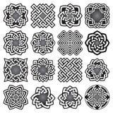 Ensemble de symboles sacrés abstraits de la géométrie dans le style celtique de noeuds Image libre de droits