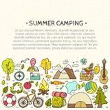 Ensemble de symboles tirés par la main d'équipement de camping Photographie stock libre de droits