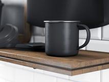 Ensemble de tasse de thé en métal, de cartes de visite professionnelle vierges de visite et de tableau sur l'étagère 3d rendent Photo libre de droits