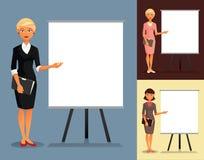 Ensemble de trois femmes d'affaires montrant à un tableau blanc Photographie stock