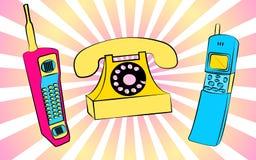 Ensemble de trois vieux premiers téléphones portables jaunes rétro rétro de vintage de hippie de place bleue et bleue de vintage  Images libres de droits
