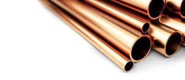 Ensemble de tuyaux de cuivre de diamètre différent D'isolement sur le fond blanc Image libre de droits