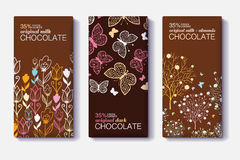 Ensemble de vecteur de designs d'emballage de barre de chocolat avec les frontières modernes florales et de papillon Lait, obscur Photo stock