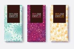Ensemble de vecteur de designs d'emballage de barre de chocolat avec les modèles floraux en pastel modernes Cadre de rectangle Em Images libres de droits