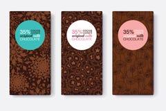 Ensemble de vecteur de designs d'emballage de barre de chocolat avec les modèles floraux modernes de Brown Cadre en pastel de cer Image stock