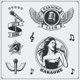 Ensemble de vecteur de labels de vintage de karaoke, d'insignes et d'éléments de conception Emblèmes de club de karaoke Photographie stock libre de droits