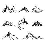 Ensemble de vecteur de logos d'isolat des montagnes, silhouettes noires sur le fond blanc illustration stock