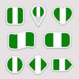 Ensemble de vecteur de drapeau du Nigéria Le Nigerian marque la collection d'autocollants Icônes géométriques d'isolement Insigne Illustration Libre de Droits