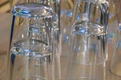 Ensemble de verres vides pour l'eau Image stock